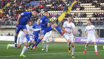 «Динамо» в волевом стиле переиграло «Зарю» в матче с двумя удалениями
