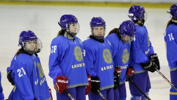 Женская сборная Казахстана потерпела третье поражение на чемпионате мира по хоккею