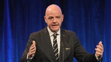 ФИФА может дать судьям право останавливать матч при проявлении расизма