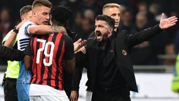 Футболисты «Милана» и «Лацио» устроили потасовку. Видео