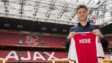 «Аякс» объявил о трансфере 18-летнего защитника