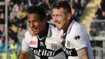 «Милан», пропустив в концовке, потерял очки в матче с «Пармой»