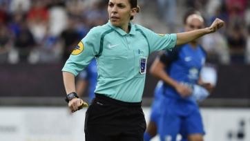 Матч Лиги 1 впервые будет судить женщина