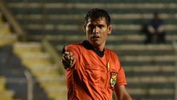 В Боливии арбитр скончался от остановки сердца во время матча. Видео