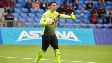 Легендарный казахстанский вратарь завершил карьеру