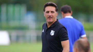 Еще один клуб Лиги 1 займется поиском нового тренера