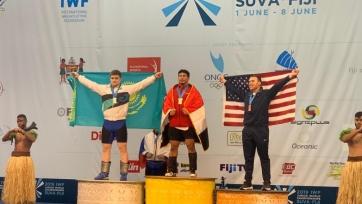 Казахстанец завоевал «серебро» юниорского ЧМ по тяжелой атлетике