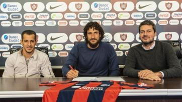 37-летний экс-защитник «Атлетико» и «Ньюкасла» продлил контракт с «Сан-Лоренсо»