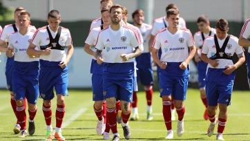 Сборная России продолжает готовиться к Сан-Марино и Кипру без двух игроков