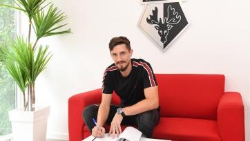 «Уотфорд» продлил контракт с защитником сборной Северной Ирландии