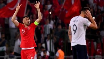 «Лечче» работает над трансфером капитана сборной Турции