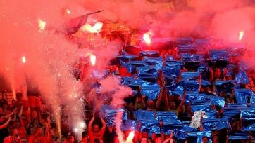 Фанаты «Вислы» напали на подростка из-за футболки другого клуба. Видео
