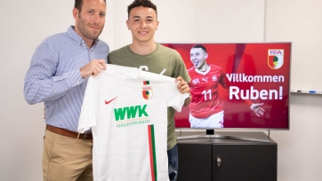 «Аугсбург» подписал швейцарского нападающего