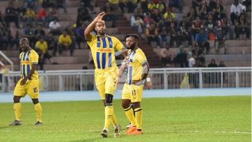 Великолепный гол из Малайзии со своей половины поля на 93-й минуте. Видео