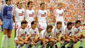 В этот день 31 год назад Протасов забил гол Италии, который помог выйти в финал Евро-88. Видео