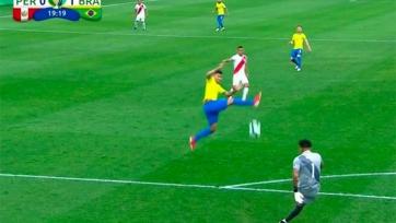 Гол дня. Курьезный мяч, забитый Фирмино на Кубке Америки. Видео