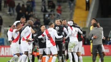 Сумасшедшие эмоции болельщиков сборной Перу после выхода команды в финал Кубка Америки. Видео