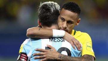 Месси и Неймар обнялись после матча Бразилия - Аргентина. Видео