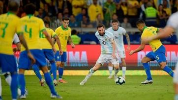 В Ассоциации футбола Аргентины хотят послушать переговоры рефери матча с Бразилией со своими видеоассистентом