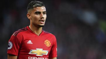 «Манчестер Юнайтед» продлил контракт с полузащитником