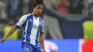 Полузащитник «Порту» станет игроком «Севильи». Он уже в Испании