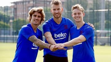 Гризманн, Де Йонг и Нету прошли посвящение в игроки «Барселоны». Видео
