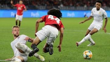 Болельщики «Манчестер Юнайтед» и «Лидса» устроили драку на стадионе в Австралии. Видео