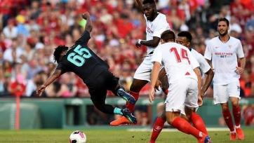 Гнаньон извинился за грязный фол в матче против «Ливерпуля». Видео
