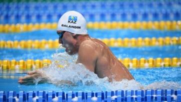 Олимпийский чемпион Баландин отобрался в полуфинал коронной дистанции на чемпионате мира в Кванджу
