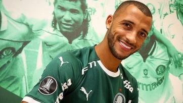 Основной защитник «Фиорентины» вернулся в «Палмейрас»