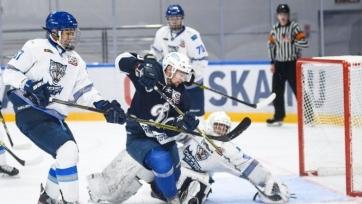 «Снежные Барсы» стартовали с поражения на турнире имени Маслова