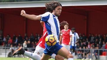 «Барселона» намерена купить правого защитника «Порту»