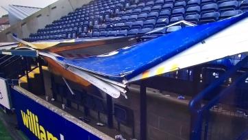 В Шотландии фанаты провалили крышу. Пострадал один болельщик. Видео