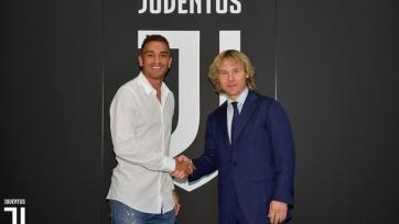 «Ювентус» объявил о подписании Данило