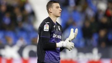 «Милану» интересен вратарь сборной Украины
