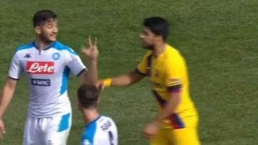 Манолас потроллил Суареса в товарищеском матче