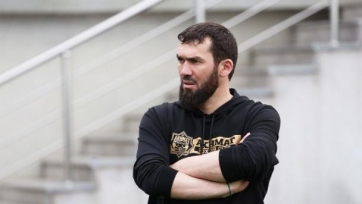 В «Ахмате» опровергли давление на судью матча со «Спартаком» после финального свистка. Видео