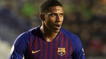 Сразу три европейских клуба нацелились на защитника «Барселоны»