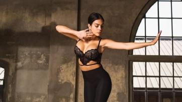 Возлюбленная Криштиану Роналду презентовала коллекцию нижнего белья с помощью танца. Видео