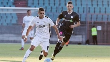 «Дюделанж» и «Арарат-Армения» определили сильнейшего лишь в серии пенальти