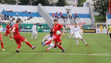 «Оренбург» выиграл в Уфе в матче с двумя удалениями