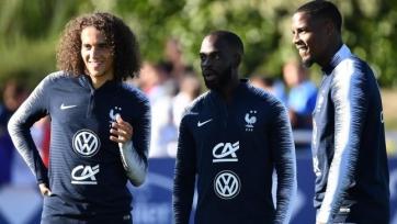 Гендузи и Иконе прошли обряд посвящения в сборной Франции. Видео