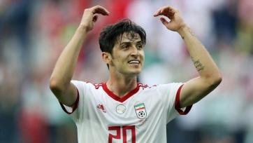 Гол Азмуна помог сборной Ирана обыграть Гонконг в отборе на ЧМ-2022