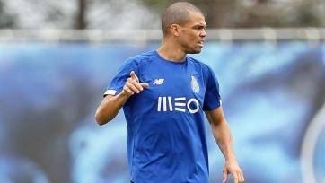 Пропустивший последние два матча сборной Португалии Пепе возобновил тренировки