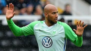 «Вольфсбург» надолго остался без основного защитника