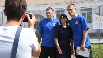 Кокорин и Мамаев отмечают свое освобождение. Фото