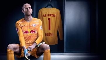 Соперник «Зенита» по Лиге чемпионов продлил контракт с вратарем сборной Венгрии
