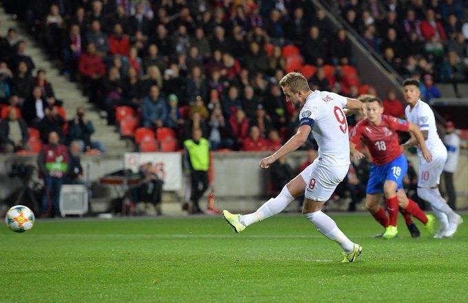 Чехия дома добыла волевую победу над англичанами