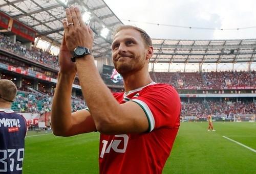 Защитник Локомотива Хеведес избежал травмы