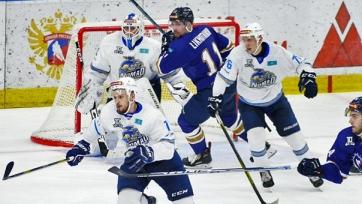 Усть-Каменогорск выиграл казахстанское дерби в рамках ВХЛ